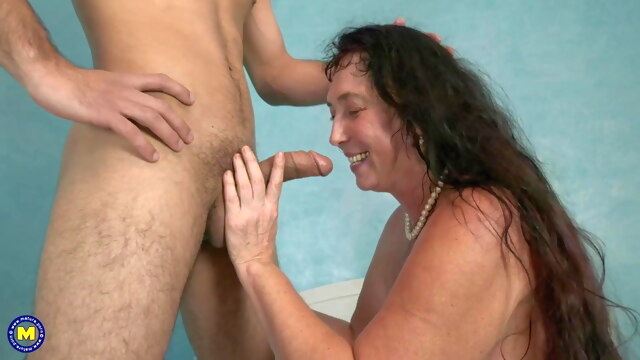 In.. amateur blowjob hairy